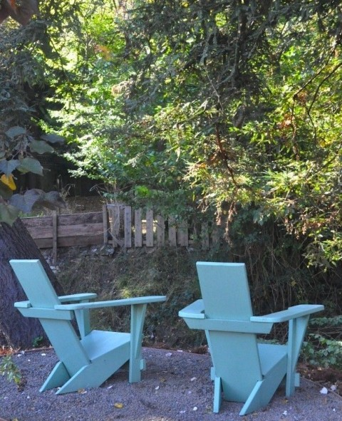 guideboat-adirondack-chairs-remodelista-2crpt