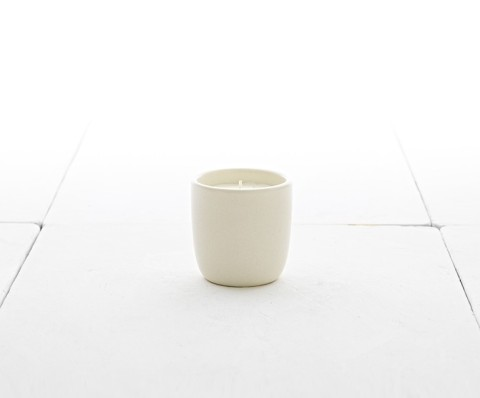 hch15-11-holiday-candle-731by607